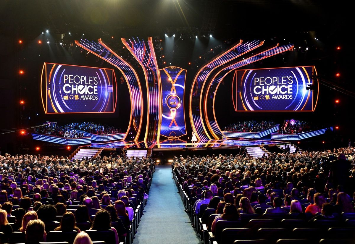 Headline for People's Choice Awards 2015: 10 Eye-Opening Facts.