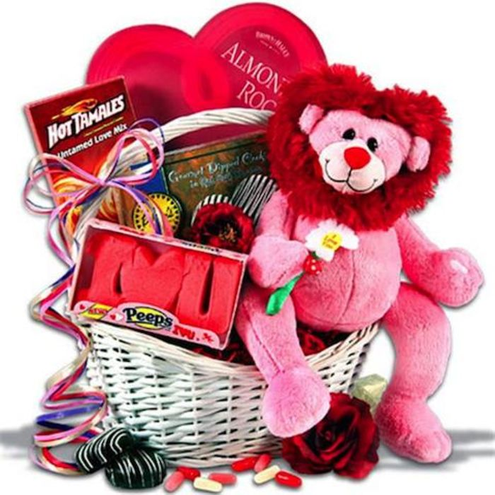 Valentine day baskets for women a listly list for Valentine gifts for ladies