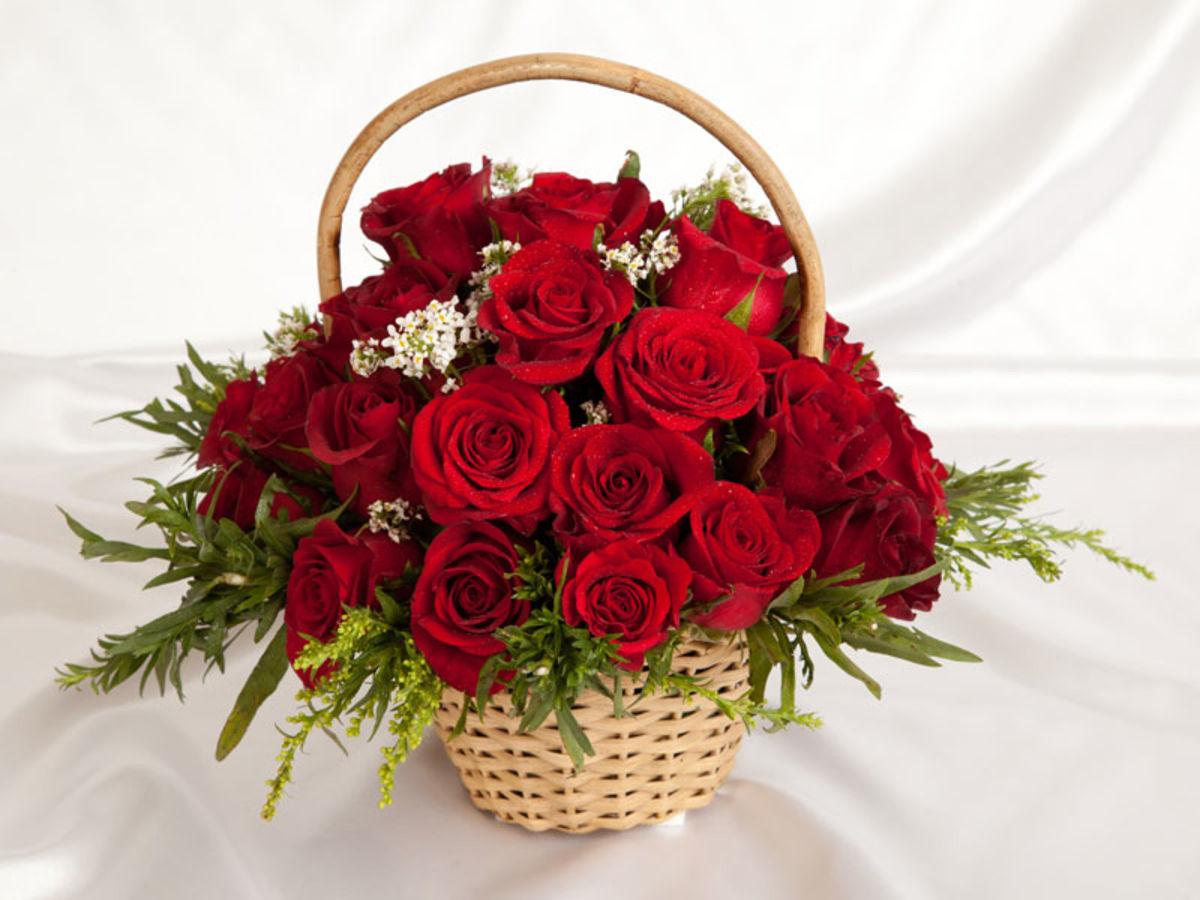 Букет цветов в подарок женщине фото