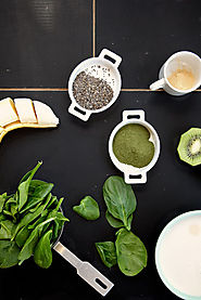 50 Yummy Healthy Snack Recipes for Everyone | Spinach, Kiwi & Chia Seed Smoothie