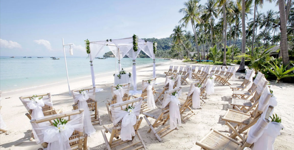 Styling Tips For Embracing A Beach Wedding Theme: Most Romantic Beach Wedding Destinations In Vietnam