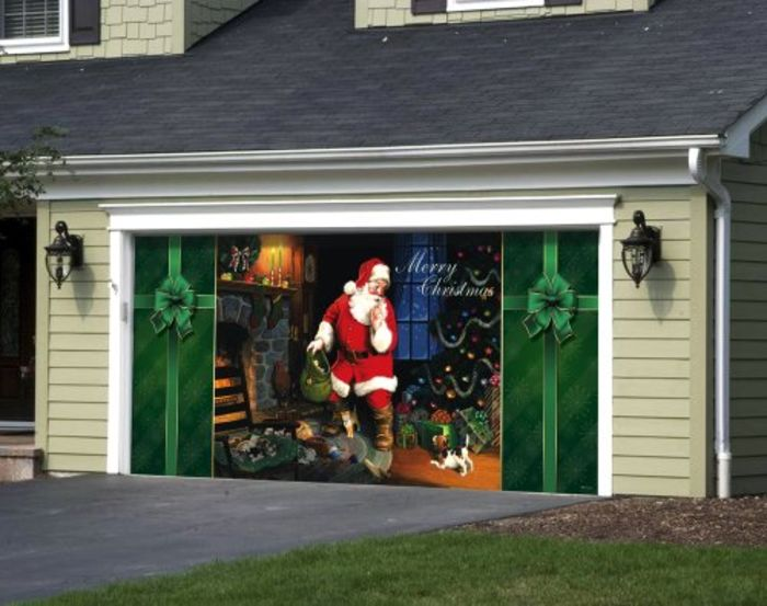 Garage door christmas decorations a listly list for Christmas garage door mural