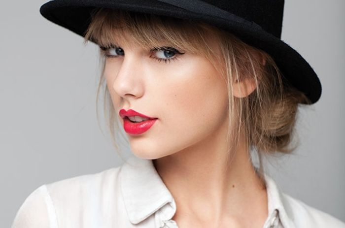 top 10 highest paid female singers in the world 2015 a listly list. Black Bedroom Furniture Sets. Home Design Ideas