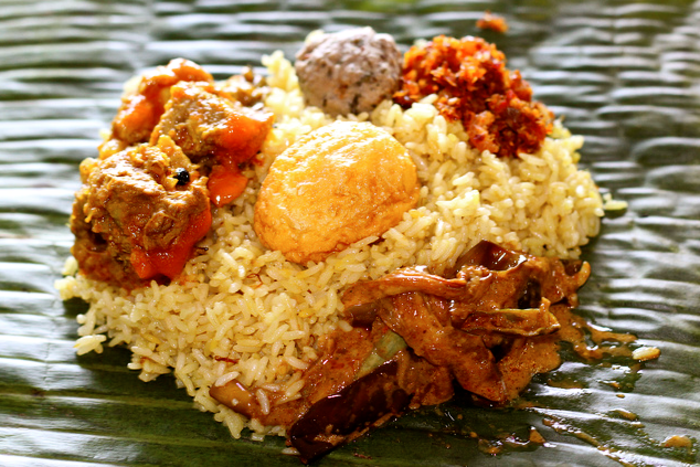 Traditional Sri Lankan Food You Would Love – Exotic Flavours to Treat Your Senses | Lamprais