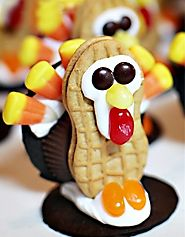 Cute Thanksgiving Cookies Kids Love To Make (and EAT!)