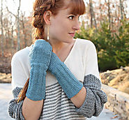 Fire it up: 10 DIY Cool Girl Winter Style ideas. | Touchscreen Mittens Knitting Pattern