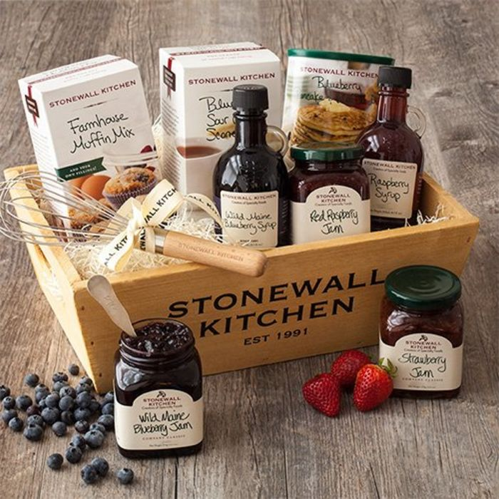 Best Gift Baskets 2020.Top 10 Best High End Holiday Gift Baskets 2019 2020 On