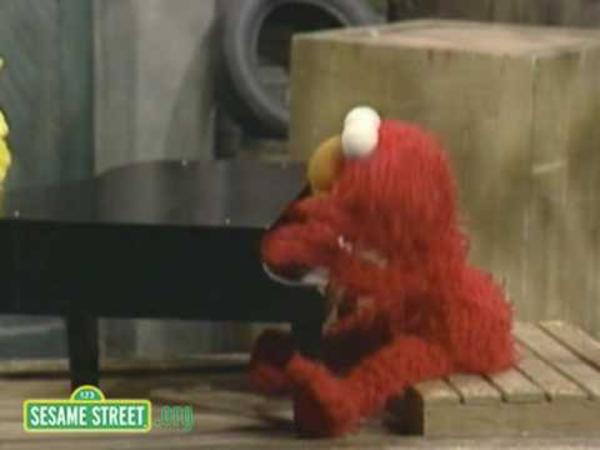 Sesame Street: Natalie Portman And Elmo Are Princess ...