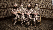 'Duck Dynasty' family stands by suspended patriarch