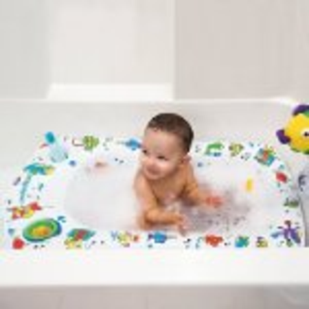 best rated baby seats for bathtub 2014 a listly list. Black Bedroom Furniture Sets. Home Design Ideas