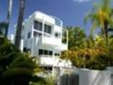 Port Douglas Accommodation | Latitude 16 Sunseeker Holiday Apartments - Latitude Resorts