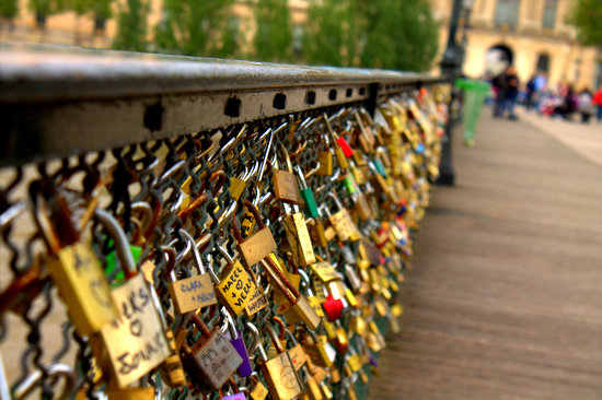 Tiny Romantic Monuments: 10 Love Lock Destinations