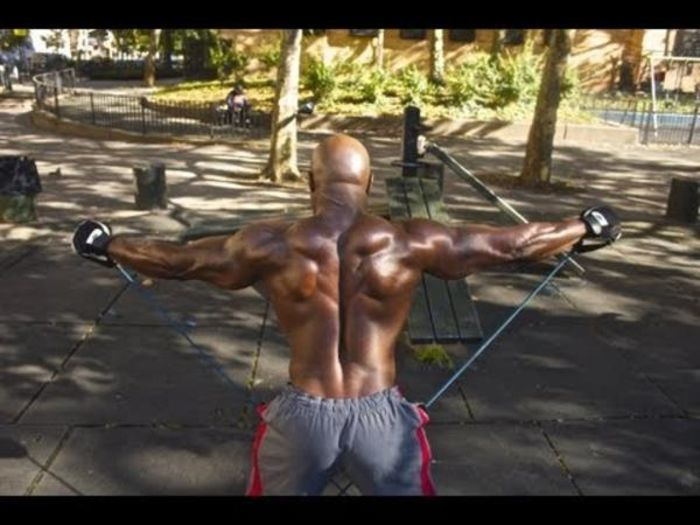 Full Body Workout With Calisthenics Resistance Bands