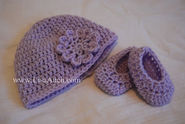 Free Crochet Pattern for Baby HAT and BOOTIES