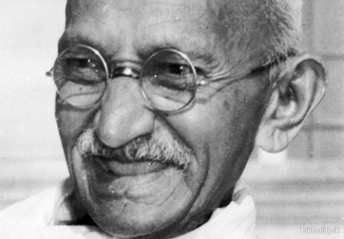 Headline for 10 Milestones in the Political Life of Mahatma Gandhi