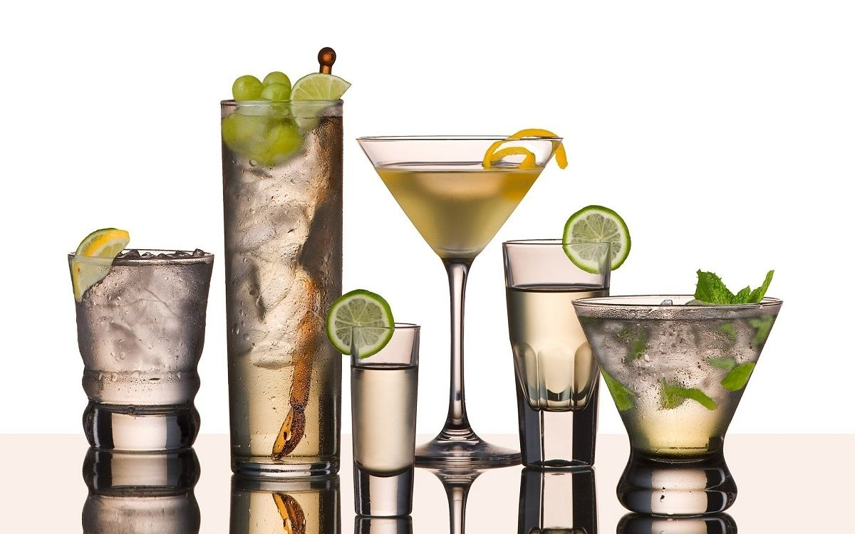 Headline for 5 Best Winter Cocktails Recipe