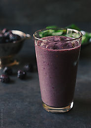 How to Make a Blackberry Green Shake - Kitchen Things