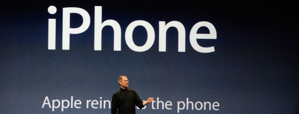 Headline for How To Present Your Product Like Steve Jobs