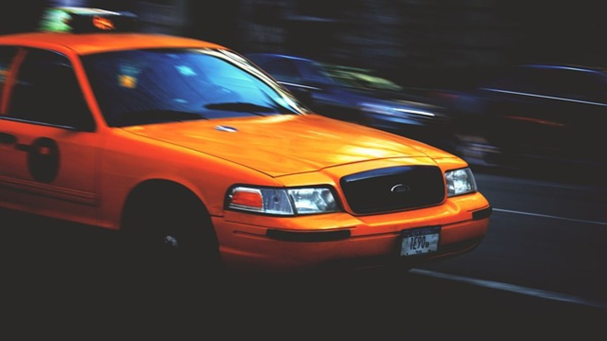 Headline for 5 Benefits of Using a Taxi Cab Service