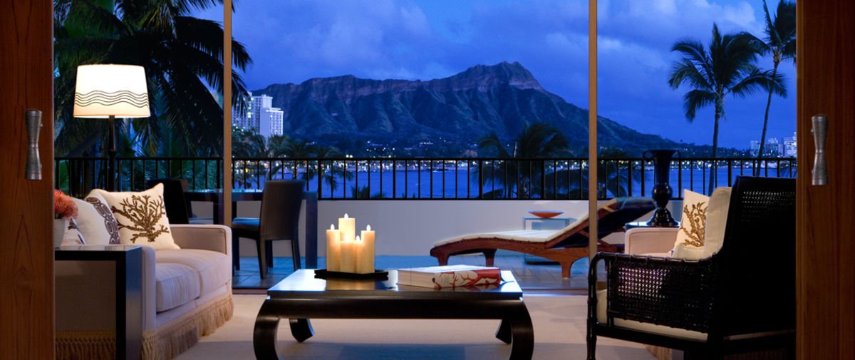 Headline for 4 Luxury Waikiki Hotels - Visit the Hawaiian Royalty playground