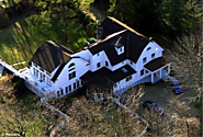 "[11/21/14] Here Are The Two Multi-Million Dollar Mansions Hillary Says She ""Struggled"" To Pay Mortgage On - America R..."