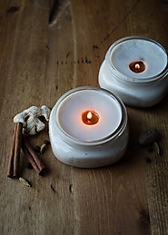 DIY Chai Candles in Canning Jars | HelloNatural.co