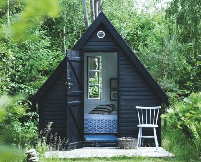 Man Cave She Shed : Women are taking on the man cave with she sheds and they look