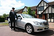 What are the Key Reasons to Hire Luxury Chauffeur Driven Cars?