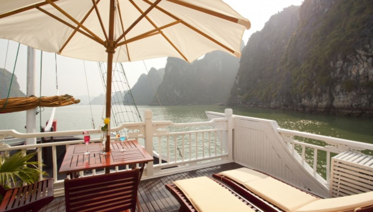 Headline for Best 5-Star Luxury Cruise Service Providers in Halong Bay (Vietnam)