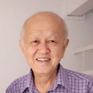 His Qualifications - Dr Chow's Private 1-to-1 Chemistry Tuition in Singapore