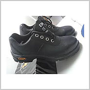 school shoes dealers in Ahmedabad, footwear in Ahmedabad, sports shoes in Ahmedabad