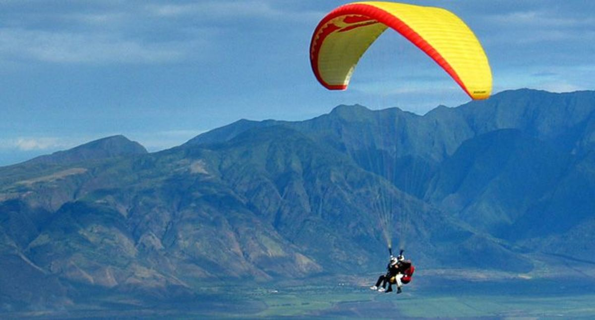 Headline for Top 5 Places for Paragliding