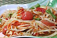 Som Tam Pu Ma (Spicy Blue Crab Papaya Salad)
