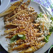 Plaa Sai Tod Kratiem (Garlic Fried Sand Whiting)