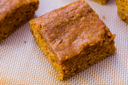 Lightned-Up Pumpkin Spice Bars. - Sallys Baking Addiction