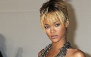 Rihanna 'hits fan with microphone' during Birmingham concert