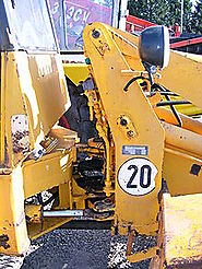 Loader (equipment)
