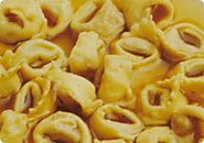 Cappelletti vegetariani in brodo.