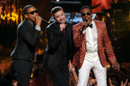 BET Awards 2013: Charlie Wilson, Justin Timberlake, Parrell, and Snoop Dogg steal the show