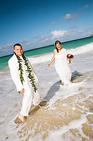 Maui Wedding Packages and Photography services by DreamWeddingsHawaii