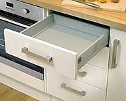 Cabinet Features: Pre-assembled Howdens kitchen worktops