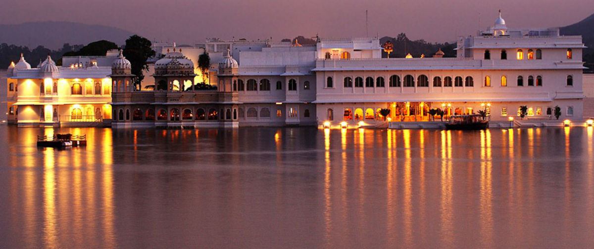Headline for Top 10 Heritage Hotels of India
