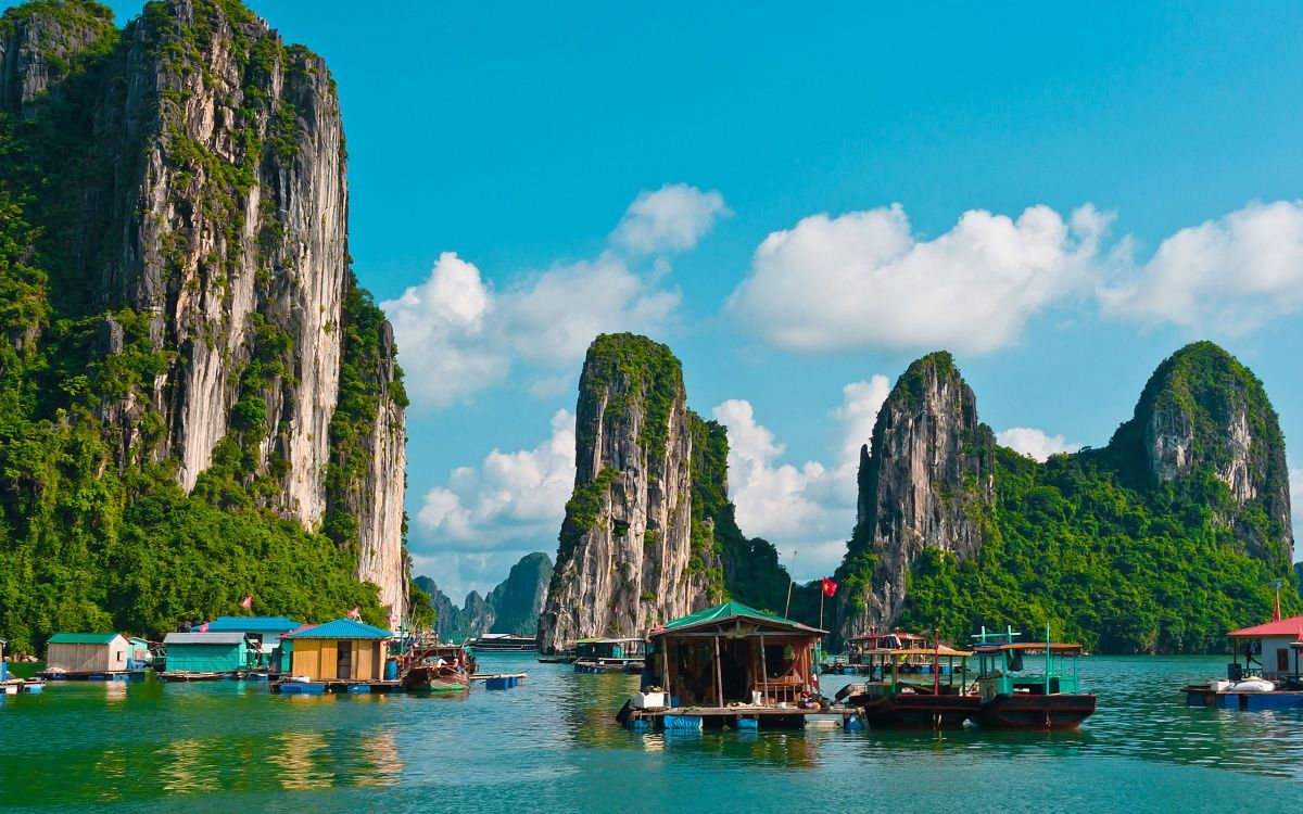 Headline for Things to Do in Vietnam – The Top Attractions and Sights of Vietnam
