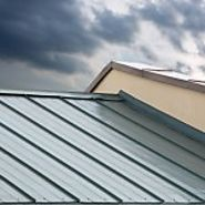 Top 8 Reasons Homeowners Choose a Metal Roof