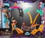 Monster High 13 Wishes Oasis Cleo De Nile Doll & Playset
