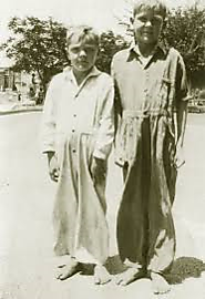 Dewitt (left) and Ray (right) Coulter, as shoeless orphans in the late 1920's
