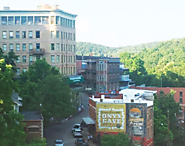Artsy, scenic... and haunted: Explore Eureka Springs for a great autumn getaway