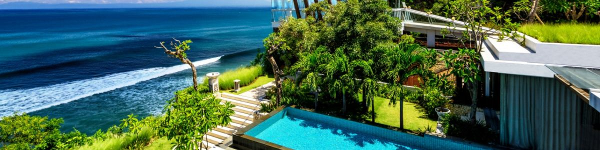 Headline for Top Beaches and Temples in Uluwatu – Discovering Beauty in Bali