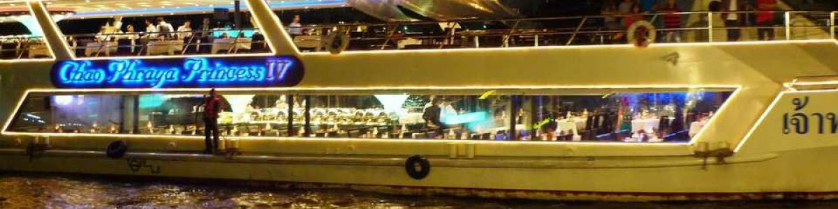 Headline for Types of Bangkok River Cruises – Enjoy a Lazy Float Along the Chao Phraya
