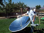 How does solar cooking work?